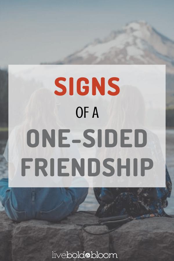 Commencez-vous à avoir l'impression que votre amitié vous prend plus qu'elle ne vous donne ? Vous faites volontiers un effort supplémentaire lorsque votre ami envoie un signal SOS. Pourtant, lorsque le moment est venu de demander de l'aide, il ou elle est soudainement trop occupé(e) pour s'en soucier. #relations #amiships #relations #amis #faux amis