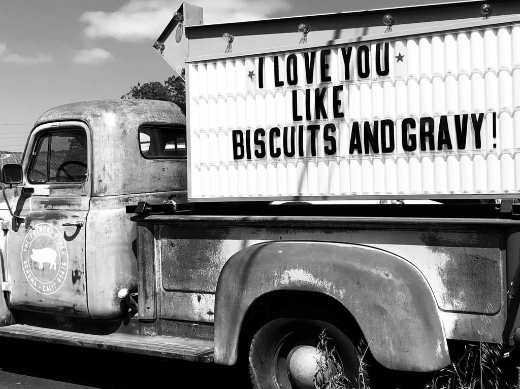 camion avec panneau, des façons de dire je t'aime
