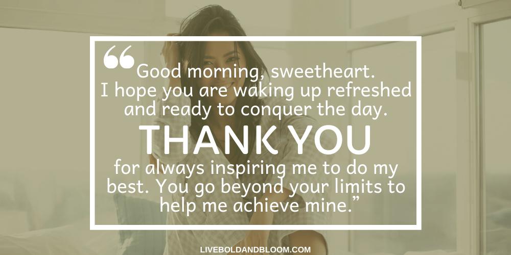 Utilisez cette liste de messages de bonjour pour partager une pensée affectueuse. Surprenez-le avec un SMS ou une note manuscrite romantique du matin.