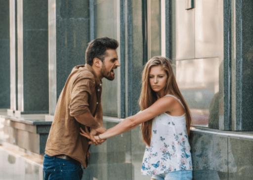 comment éloigner votre fille d'un petit ami contrôlant